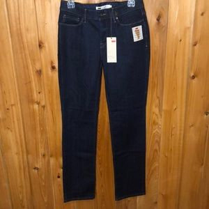 NWT Levi's Perfect Waist Straight Leg Jeans